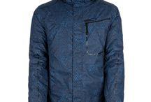 ZIMA 2015 Pánské sportovní oblečení LOAP / Pánské oblečení LOAP sleduje módní trendy v oblasti pánské módy - softshellové bundy a kalhoty, fleecové mikiny, funkční prádlo, pohodlná trička i kalhoty. Na podzim sortiment doplňujeme o podzimní a zimní bundy, lyžařské kalhoty a další kousky teplejšího oblečení. Na jaře si zase můžete vyzkoušet naše kraťasy a šortky.