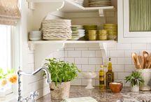 Dream Home- Kitchen / by Rhiannon Edwards
