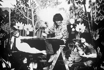 Kenzo Takada dans la boutique Jungle Jap - 1970 http://www.vogue.fr/thevoguelist/kenzo/263
