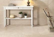 Keramische tegels in natuursteen look / Carreaux céramique avec l'aspect pierre naturelle / natuursteenlook Imitation de pierre naturelle