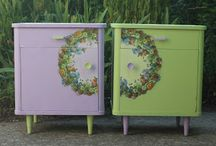 Tables-twins with pretty wreaths