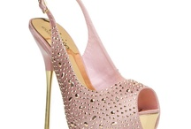 shoes! / by Daniela Chudy