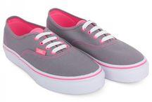 Vans shoes >.<