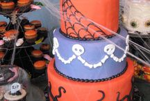 Halloween Treats / Custom cakes and cupcakes for your Halloween Party