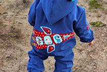 Färgglada barnkläder