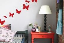 Vivere gli interni / Arredare, decorare, dipingere, organizzare gli spazi... tutto questo è vivere gli interni.