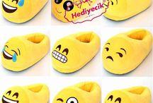 Peluş Emoji Terlik Ağlayan Göz Kaymaz Alt tabanlı