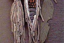 Textil / Vævet  broderet