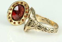 Container jewellery