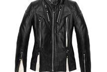 Abbigliamento Donna / L'abbigliamento per la biker che vuole essere protetta, senza perdere in femminilità.