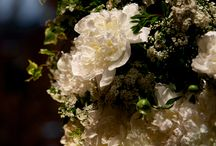 ST Regis New York Wedding / Beautiful fresh flowers and decor for an upscale wedding in the timeless setting of the ST Regis New York.