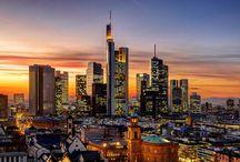 Städtereisen Frankfurt / Frankfurt am Main bietet seinen Gästen für Kurzreisen verschiedene Möglichkeiten, um ein paar unbeschwerte Tage ohne Alltagstrubel zu verbringen.