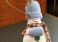 DIY Christmas ornaments / by Vikki Nay