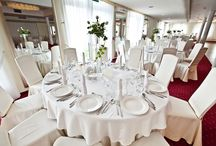 Zaskakująco wygodne wesele / W każdym tygodniu organizujemy kilka wesel, a nasz personel zadba o to by uśmiech, który zostawicie nam przy wychodzeniu z obiektu pozostał do końca Waszego życia...