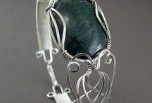 Wire Gemstone