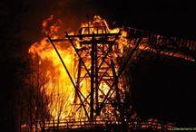 brand molen Burum / In het Friese dorp Burum is op zondagavond 8 april 2012 (1ste Paasdag) de 225 jaar oude molen Windlust volledig afgebrand