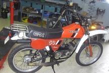 Amoticos i otras motos especiales / Motos de competicion clasicas de pequeñas cilindradas y preparaciones particulares de aficionados.