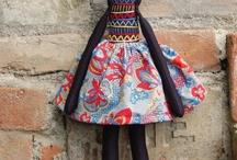 Dolls / Muñecas y bolsos