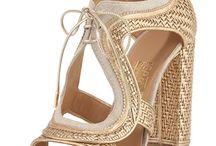 open toe heeled shoe