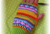 Crochet: mittens & gloves / by Ana Evamarc