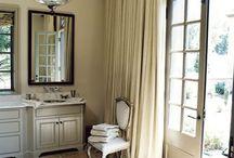 Bathrooms / by Sue Ellen Wilson