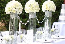 White & Neutrals Wedding Colour Theme / Wedding ideas for elegant white or cream themed wedding to Natural neutral tone wedding themes