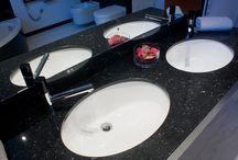 Łazienka / Nasze realizacje w łazience Zobacz co można wykonać, dzięki najwyższej klasy produktom wykonanych z kamienia naturalnego.