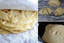 Chleba, housky, pečivo