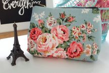 floral pouch / Handmade vintage floral pouch