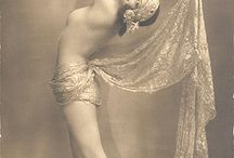 1920s pin up model