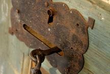 Serrature e battenti / door knockers