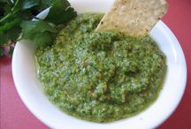 Love me some dips and salsa / by Shan Non
