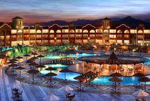 Aquaparki / Aquaparks / Baseny i zjeżdżalnie - wodne szaleństwo na wakacjach / Swimming pools and water slides! Go water-crazy on vacation