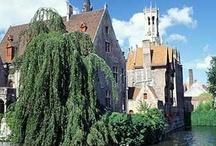 HOTELES EN BÉLGICA / Si te gustan los #castillos, las abadías cerveceras, el chocolote, los mejillones y #Tintín, amarás #Bélgica. http://www.quierohotel.com/hoteles-belgica.htm