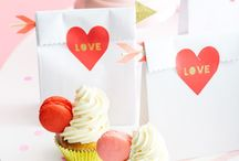 Valentine's Day Roses / Valentine's Day is celebrated on February 14. It is a festival of romantic love and many people give cards, letters, flowers or presents to their spouse or partner.
