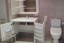 Salles de bains adaptées / Découvrez quelques uns de nos derniers projets de salles de bains adaptées, réalisées sur mesure pour nos clients :  - Salles de bains accessibles pour les personnes à mobilité réduite - Salles de bains à hauteur variable -etc...
