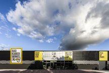 Badkamerwinkel.nl Nieuwegein / Onder de rook van Utrecht vind je onze eerste offline winkel. 1000 vierkante meter inspiratie met maar liefst 15 complete badkamers, een énorme tegelafdeling en héél véél producten. Heb je vragen, last van keuzestress of wil je gewoon lekker het echte badkamergevoel ervaren? Kom dan naar Nieuwegein. https://www.badkamerwinkel.nl/winkels