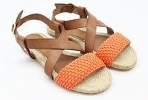 Palomitas schoenen / Palomitas schoenen en sandalen is het nieuwe sandalen merk uit Italie.  Een kenmerk van Palomitas sandalen zijn de prachtige leren vlechten, in verschillende kleuren.