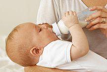 Rund um Babys Milch / Hier finden sich viele Hilfreiche Tipps rund um Babys Milch. Welche Säuglingsnahrung passt zu meinem Kind? Wieso gibt es so viele verschiedene Marken? Woher kommen die Preisunterschiede? Welche Nahrung verträgt mein Kind?