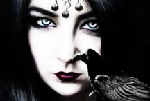 CROWS & RAVENS / The dark beauty of crows and ravens in art, craft and photography...