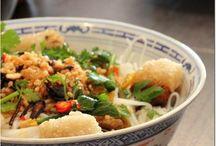 cuisine asiatique / by Rosalina Oukoloff Boisseau