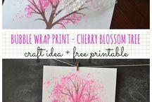 Cerisier peint avec du papier bulle