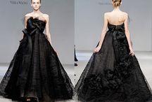 Siyah Gelinlik Modelleri / Evlilik hazırlığı yapan hanımlar için hazırladığımız siyah gelinlik modelleri galerimiz bu sayfamızda yer almaktadır.Trend ve moda siyah gelinlik resimleri. http://www.kadincaweb.net/siyah-gelinlik-modelleri/