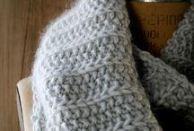 Knitting / Cowl