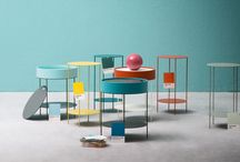 Tavoli e tavolini - Wok / Wok box / Wok è un tavolino rotondo con struttura in metallo. Wok Box si differenzia per il contenitore legno nella parte superiore chiusa un coperchio che all'occorenza diventa un pratico vassoio conimpugnatura sagomata.