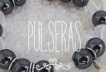 Nuestras pulseras / Las pulseras de Femenino y Singular