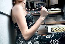 """Nuova Collezione Le Perle di Caltagirone / Lady and Gentleman... Adhoc agenzia pubblicitaria è lieta di presentarvi la nuova campagna pubblicitaria per i brand """"Le Perle di Caltagirone"""".  La collezione 2015 si rivolge alla donna moderna, non convenzionale, amante dello stile retrò, dei dettagli e colori.  In questo spirito che i 12 nuovissimi modelli tra anelli, bracciali e orecchini, dal design di tendenza,  ripropongono lo stile i colori del made in italy anni 60.  © 2015 - All rights reserved"""