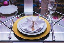 Sousplats e porta guardanapos / Sousplats e porta guardanapos em mesas de casamentos