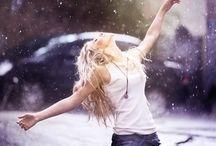 loving the rain / «Si tu crois que ce sont les rayons de soleil qui te rendent heureux, c'est que tu n'as jamais dansé sous la pluie»