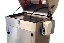 Lavadoras de piezas / Amplia gama de lavadoras de piezas tanto de agua a presión como de ultrasonidos. Más información en http://iberisasl.com/lavadoras-piezas-sme.php y http://iberisasl.com/lavadoras-ultrasonidos.php